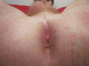 Kiwi Sissy Faggot Loves to Display Her Hole!
