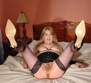 Sissy Phyllis spread and in chastity