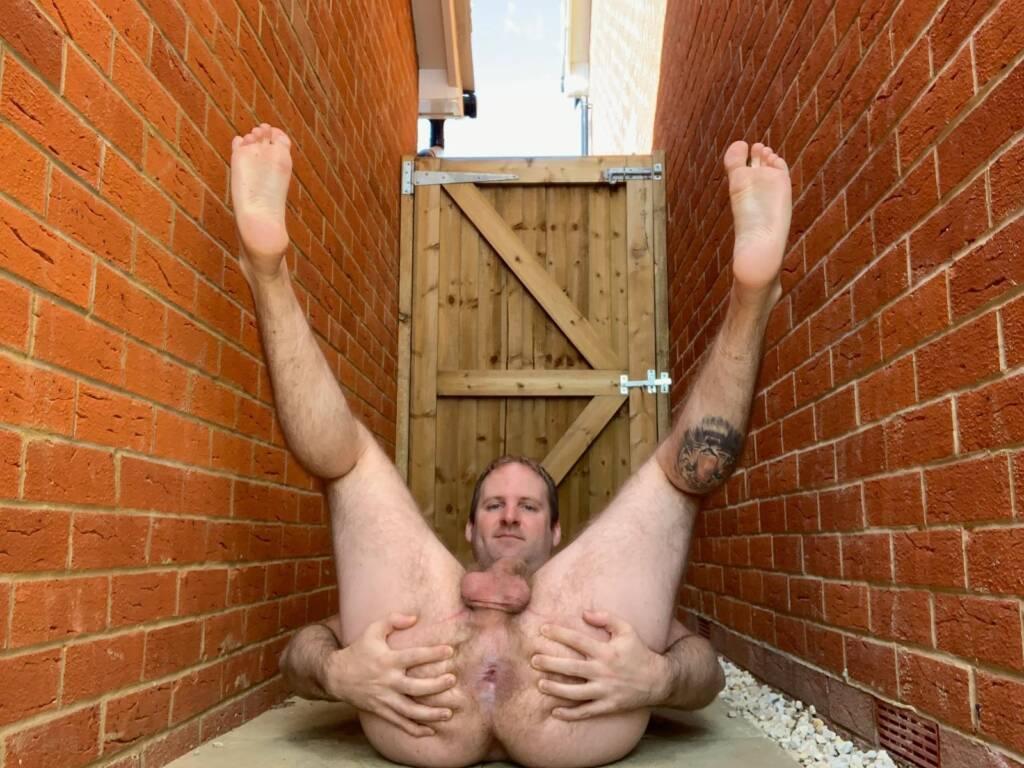 Faggot Simon | Submissive Toilet
