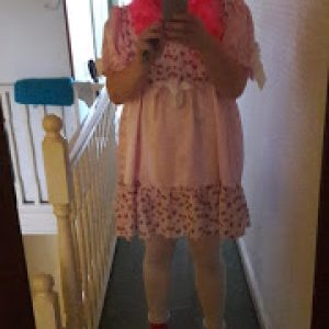 Video:Dressed up as sissy at local aldi store