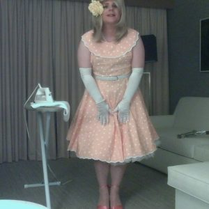 Sissy Tracy longs to be a housewife for a man